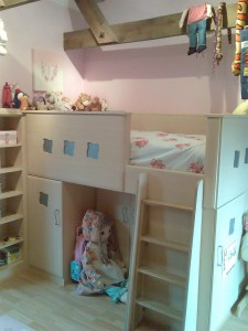 Child's Fitted Wooden Raised Bed